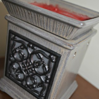 """Delightful """"Scentsy"""" Aromas To Welcome Guests"""