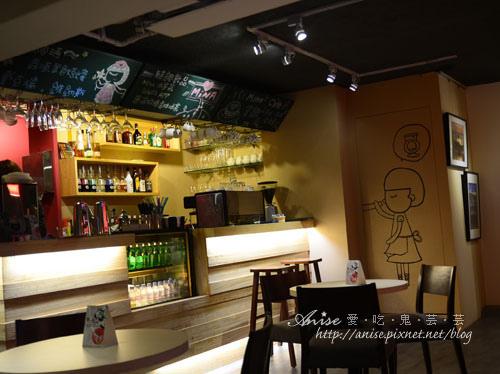 Mina Cafe012.jpg