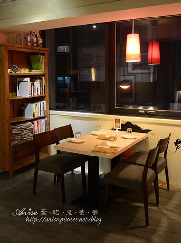 Mina Cafe013.jpg