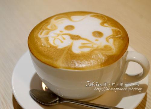 Mina Cafe021.jpg
