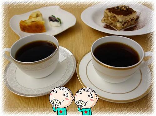 Knutsen Petite Café(肯努森咖啡),聽說海鹽提拉米蘇很紅