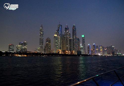 搭遊艇暢遊杜拜灣@杜拜小旅行