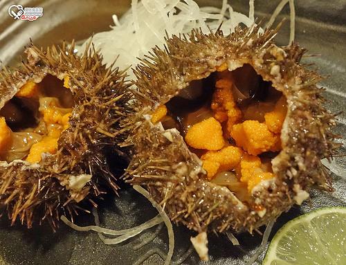 小六食堂.整顆的北海道海膽現挖海膽丼超爽!