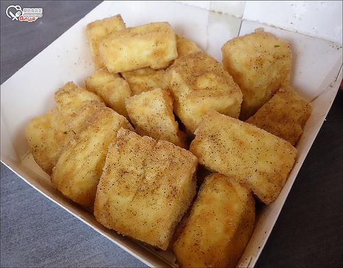 大直小吃一條龍:台灣鹽酥雞創始總店、晴光豆花、若鄰紅茶、大直肉圓