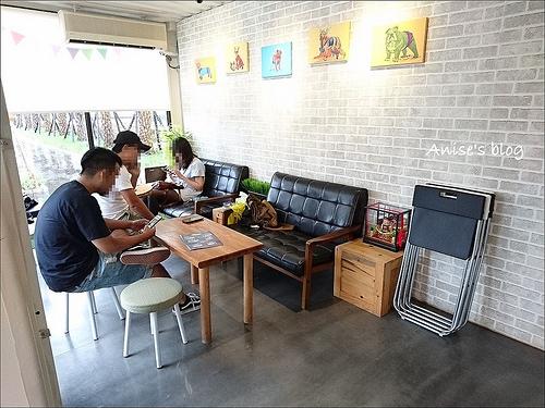 頭城美食.方塊屋,精緻小巧的可愛貨櫃屋咖啡廳