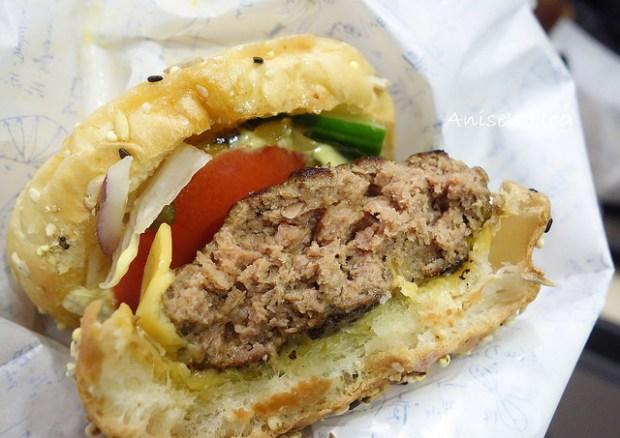 burger lab027