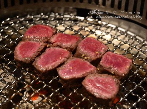 胡同燒肉夜食,今年我家的母親節大餐很年輕! @愛吃鬼芸芸