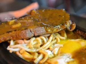 今日熱門文章:東區大塊牛排~大安路夜市的平價小吃