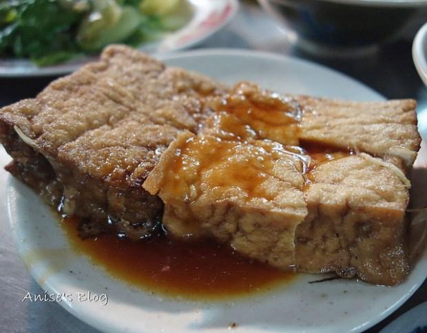 基隆廟口夜市美食阿媽的魯肉飯005