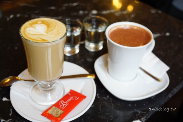 全世界最美書店咖啡廳.布達佩斯BOOK CAFE (據說已歇業)
