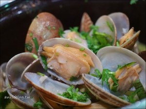 今日熱門文章:澳門美食.老酒莊葡國菜,最正宗的葡國料理