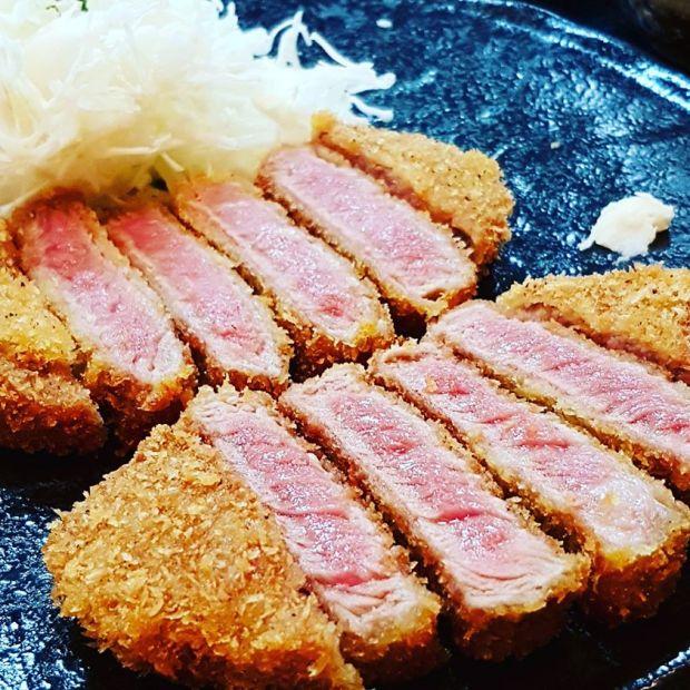 台北也有炸牛排了!吉兵衛神戶活丼 台北信義店