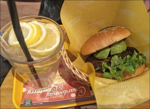 今日熱門文章:新宿/新大久保美食 | FRESHNESS BURGER,意外驚喜的美味漢堡店