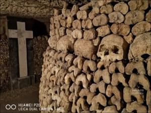 網站熱門文章:巴黎地下墓穴   世界上最大的死人骨頭堆放區 (14區)