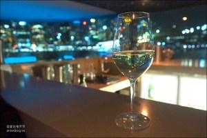 今日熱門文章:雪梨唯美玻璃船晚宴,絕美夜景佐餐酒、飲料無限暢飲,顛覆想像的超級美味晚餐