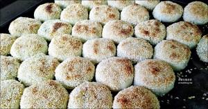 今日熱門文章:老張炭烤燒餅安和店、上海水煎包,通化街安和路外帶點心,大安區美食(姊姊食記)