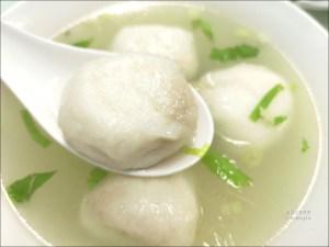 今日熱門文章:東區小吃 | 易牙妙手食堂 (魚丸店),平價小吃店,有便當哦!
