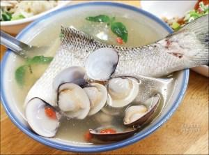 今日熱門文章:超人鱸魚湯,新店耕莘醫院超人氣名店,我最愛豬腳和石斑魚 😍