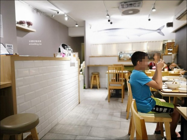 勇氣食堂,泡菜炸雞、厚實炸豬排,文青風和食料理店,板橋新埔站美食(姊姊食記)