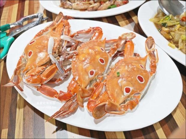 萬里蟹推薦 | 龜吼漁夫市集姿吟料理,秋蟹正肥美萬里吃螃蟹,北海岸萬里美食(姊姊食記)