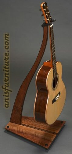 stand gitar akustik