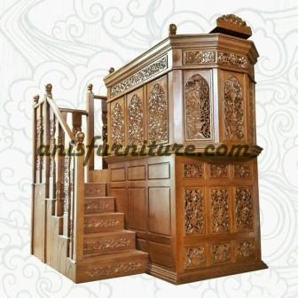 mimbar masjid ukiran