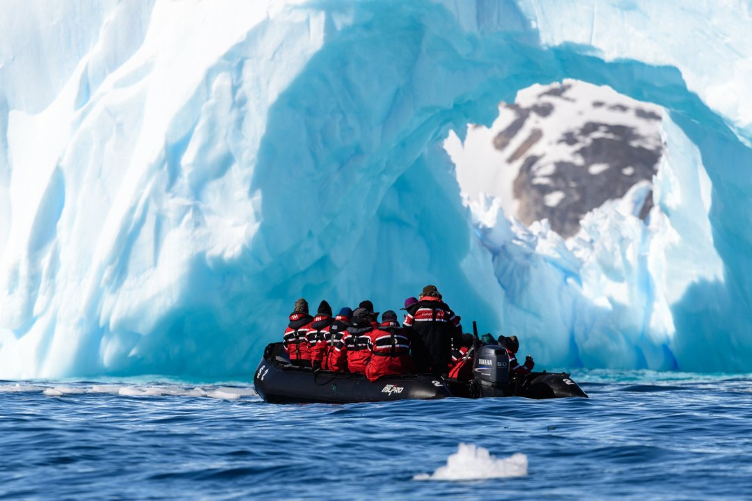 Page 13 Cierva Cove - Expedition Cruising Antarctica