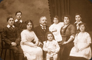 LIONEL HARRIS  (1862 0R 1863-1943) AND HIS FAMILY