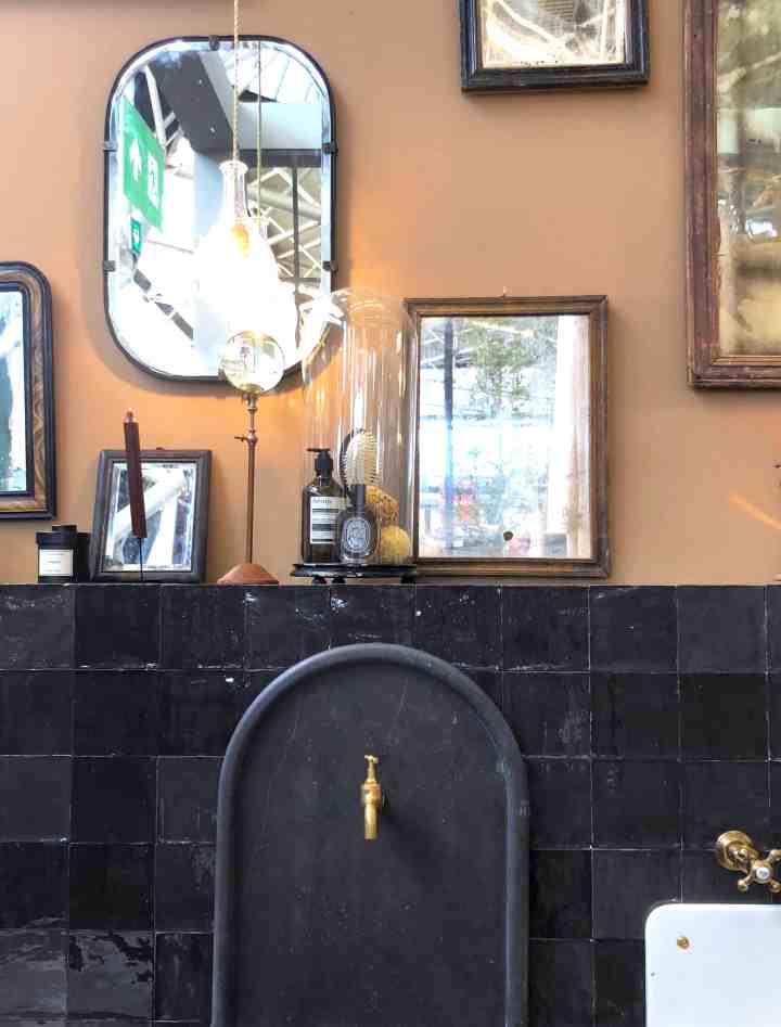 spiegels in badkamer