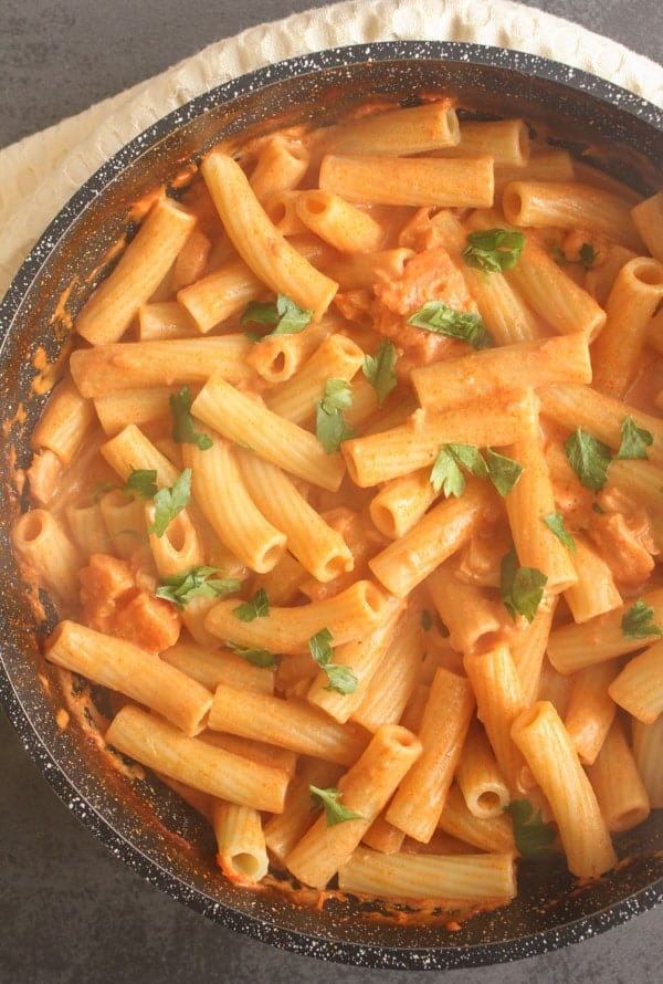 Smoked Salmon Cream Sauce, a delicious creamy smoked salmon sauce recipe which is fast, easy and perfect with pasta. A family favorite Italian dish.|anitalianinmykitchen.com
