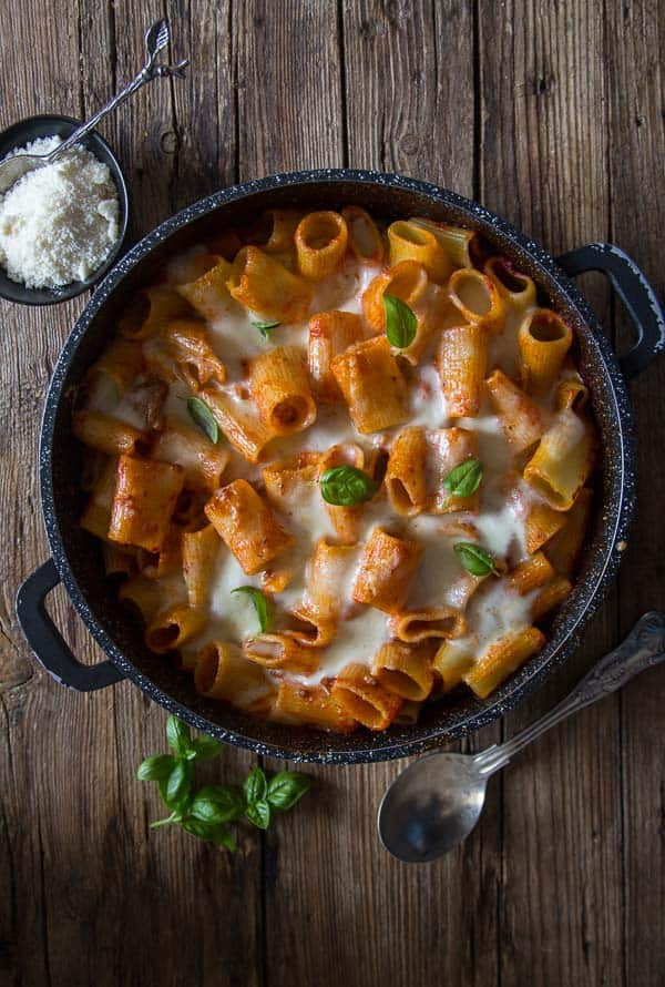 Creamy Cheesy Baked Pasta, an easy creamy cheesy one pan oven baked pasta recipe, a delicious sauce made with ground beef, a family favorite.