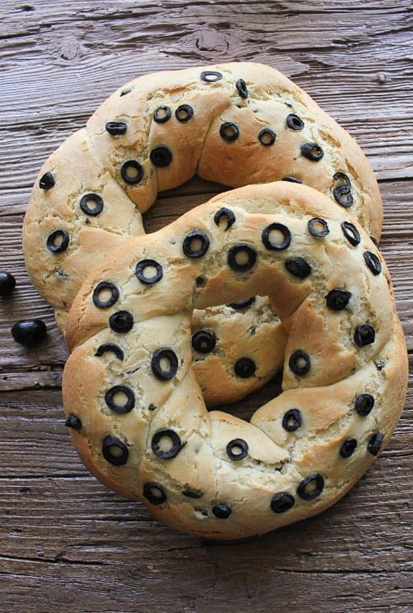 olive bread /anitalianinmykitchen.com