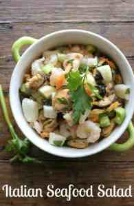Italian Seafood Salad, love seafood? Then this is the perfect seafood appetizer recipe for you! Fast, easy and so delicious.