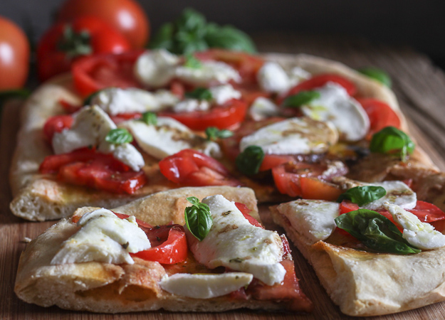 Easy Caprese No Yeast Pizza Dough A Perfect Fresh