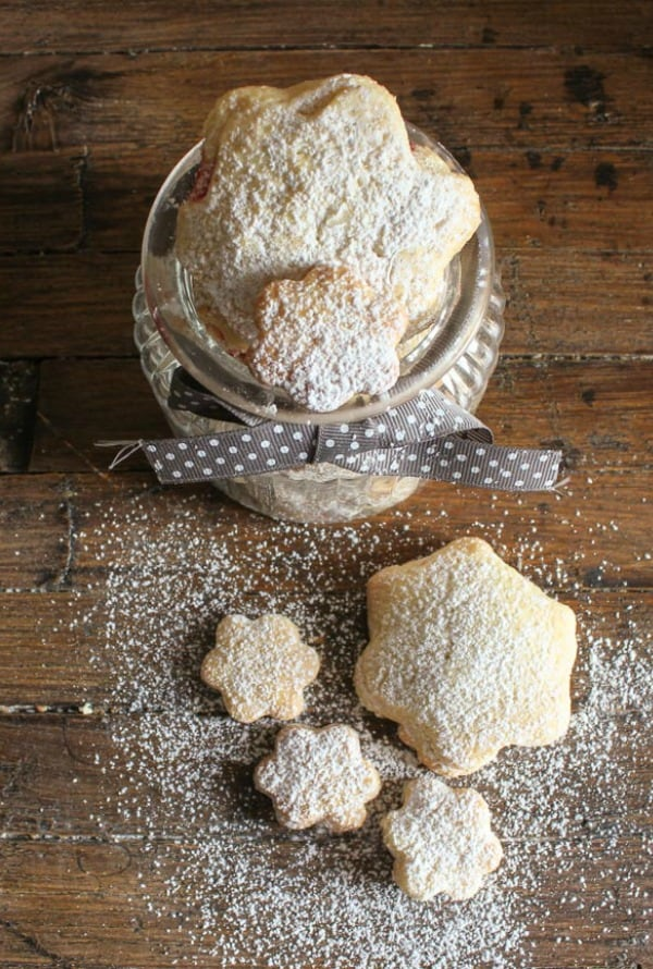 strawberry filled soft Italian cookies/anitalianinmykitchen.com