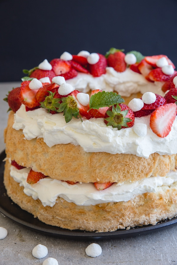 angel food cake for Canada day