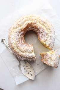 Italian Fresh Cream Lemon Cake an easy made from scratch, anytime cake. An Italian sweet cake.