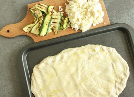 grilled zucchini pizza|anitalianinmykitchen.com