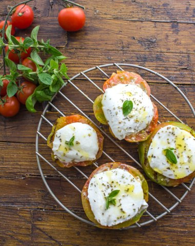 Grilled Tomatoes with Mozzarella, a healthy simple, fast and easy Appetizer, Breakfast or dinner BBQ Recipe Idea.