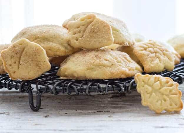 Homemade Apple Pie Cookies, a delicious made from scratch easy cookie recipe, filled with a delicious apple cinnamon filling. Perfect!