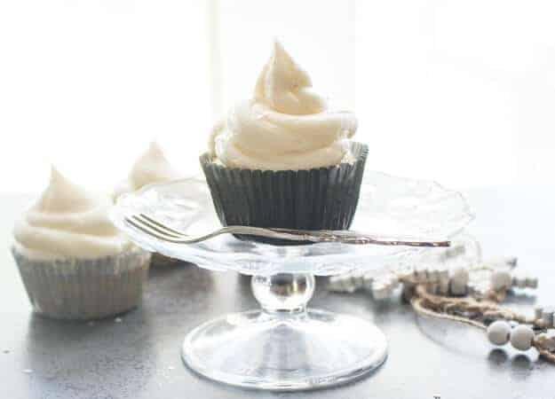vanilla-almond-cupcakes-8-1-of-1