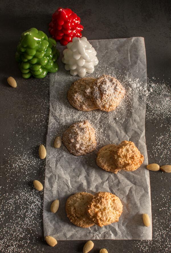 Amaretti Cookies Italian Almond Cookies
