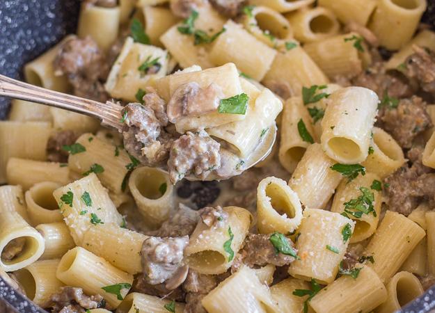 up close creamy pasta boscaiola