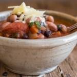 up close vegetarian chili recipe in a bowl
