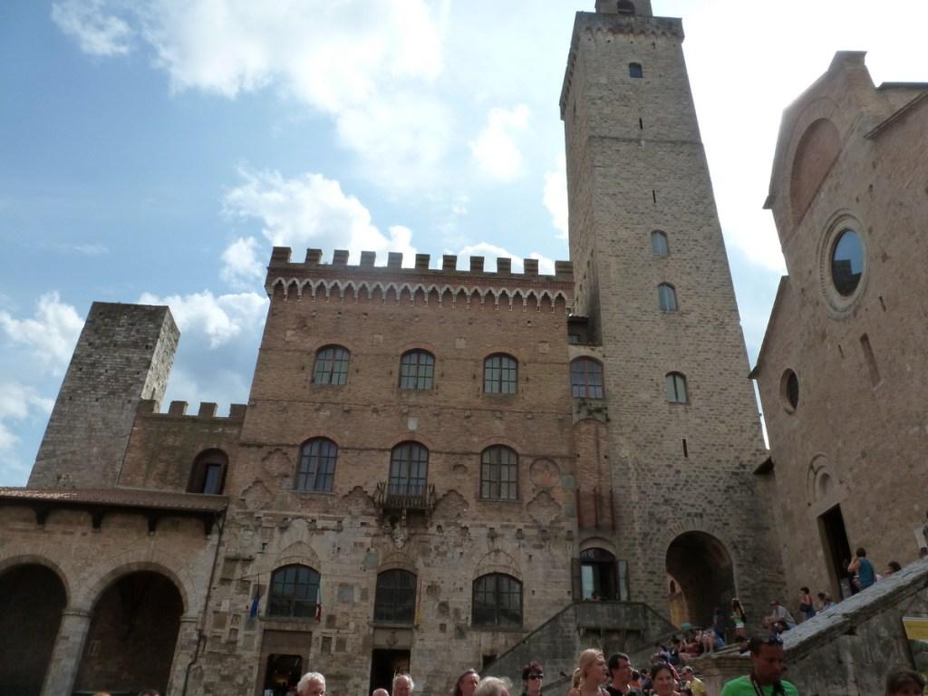 Piazza Duomo, San Gimignano, Tuscany