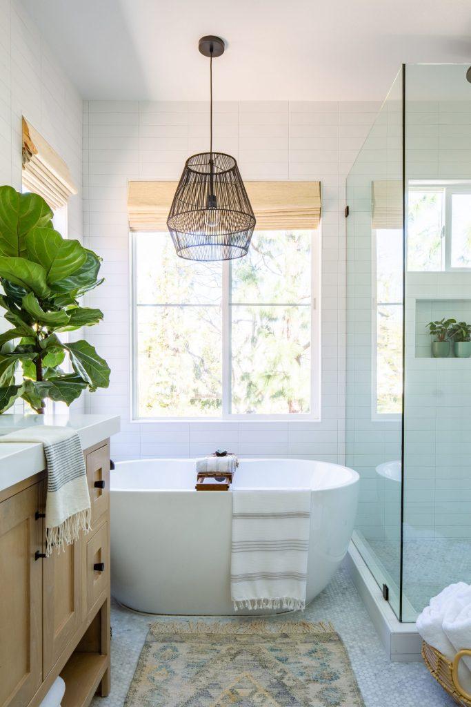 Anita Yokota master bathroom
