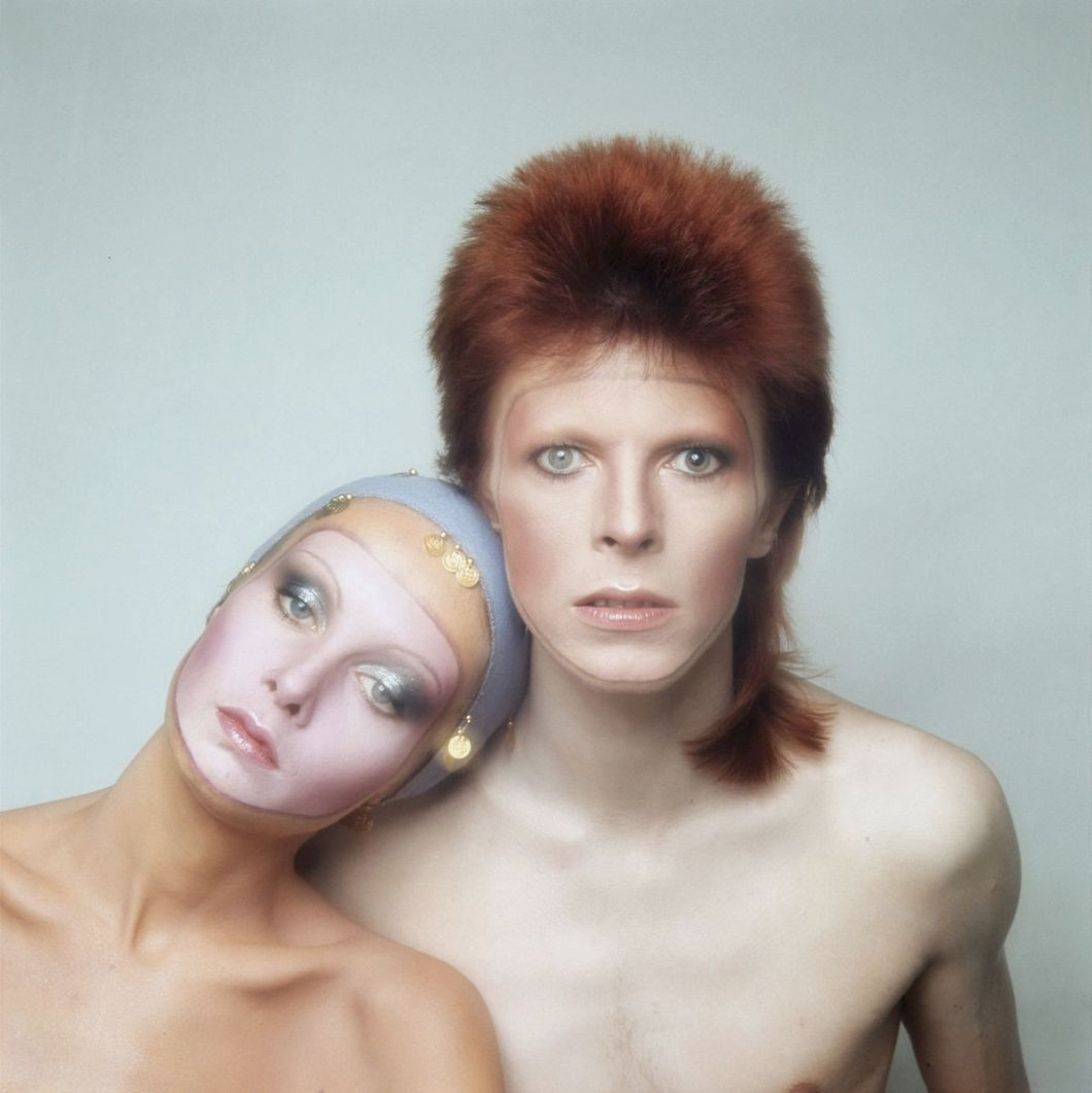English model Twiggy poses with David Bowie in Paris for the cover of his 'Pin Ups' album, 1973.
