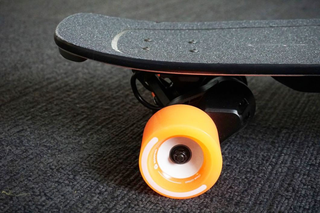 Love the '80s skateboard-inspired design.