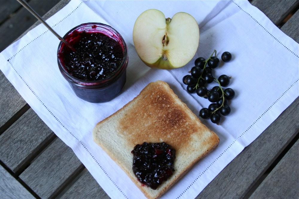 Schwarze Johannisbeer / Apfel Marmelade (2/4)