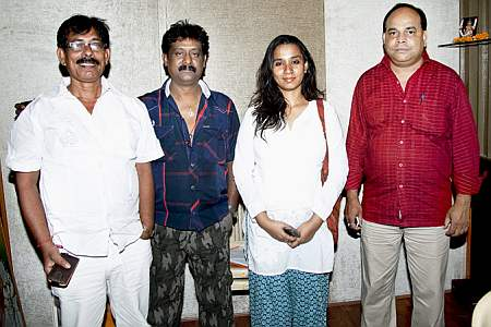Kalpana and others on song recording of Lagal Nathuniya Ke Dhakka